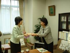 3.Goodwill visit (with Kumiko Bando, Director-General of the Lifelong Learning Policy Bureau